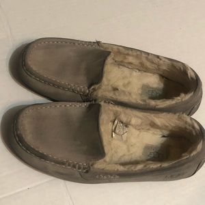 Uggs Ansley Gray Suede Sterling Moccasins size 9